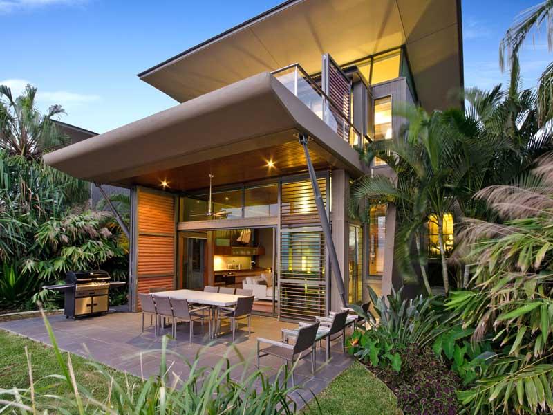 yacht club villa 12 4 bedrooms 4 bathrooms hamilton. Black Bedroom Furniture Sets. Home Design Ideas